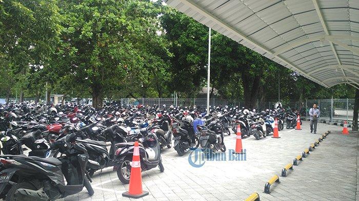 Area Parkir Baru Telah Dibuka, Tarif Parkir Bandara I Gusti Ngurah Rai Tetap Sama