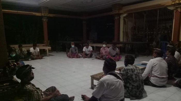 Lagi, Kaling Diminta Turun Dari Jabatan Oleh Warga di Jembrana Bali