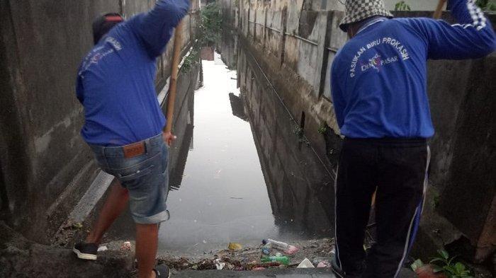 Cegah Banjir di Musim Penghujan, PUPR DenpasarBersihkan Sungai dan Saluran Air