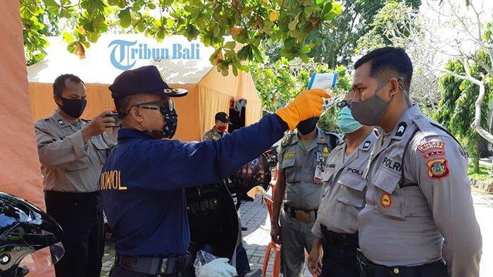 Personil Polres Gianyar yang Jaga Tempat Karantina Covid-19 Dicek Kesehatannya