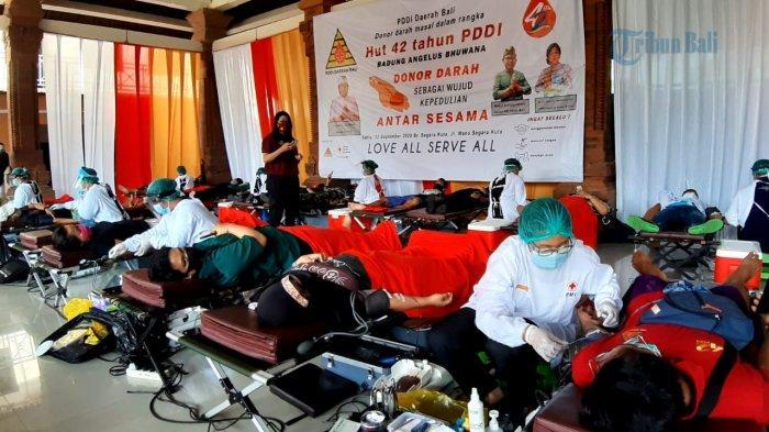 Dalam Rangka HUT ke-42, PDDI Bali Gelar Donor Darah Massal di Banjar Segara Kuta