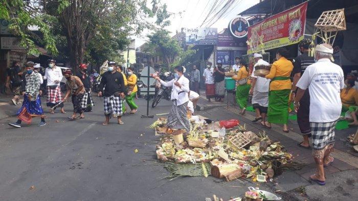 Banjar Sanga Agung Denpasar Gelar Caru Panca Sato di Lokasi Pembunuhan oleh Oknum Debt Collector