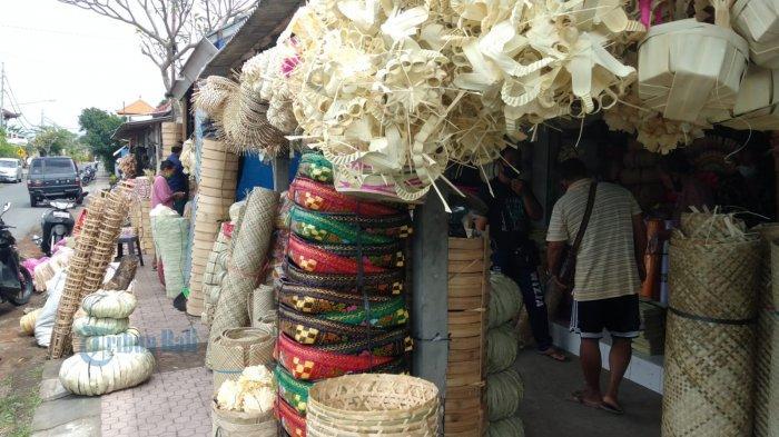 Pasar Relokasi Tak Kunjung Selesai, Pedagang Pasar Umum Blahbatuh Gianyar Akhirnya Ngontrak