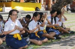Makna Mantra Trisandya Dalam Ajaran Agama Hindu