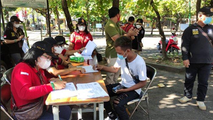 21 Pelanggar Prokes Terjaring Razia Masker, 13 Orang Didenda di Sesetan Denpasar