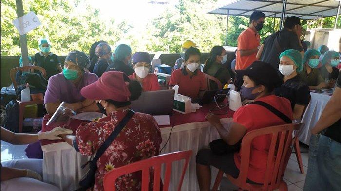 1.086 Pedagang di Pasar Kreneng Denpasar Divaksin Covid-19