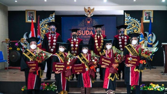 344 Mahasiswa STIKI Indonesia Ikuti Wisuda Periode XVII Secara Hybrid