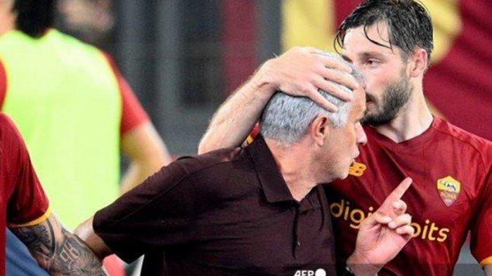 Torehan Ciamik The Spesial One pada Pertandingan ke-1000, Mourinho Antar AS Roma Menang Dramatis