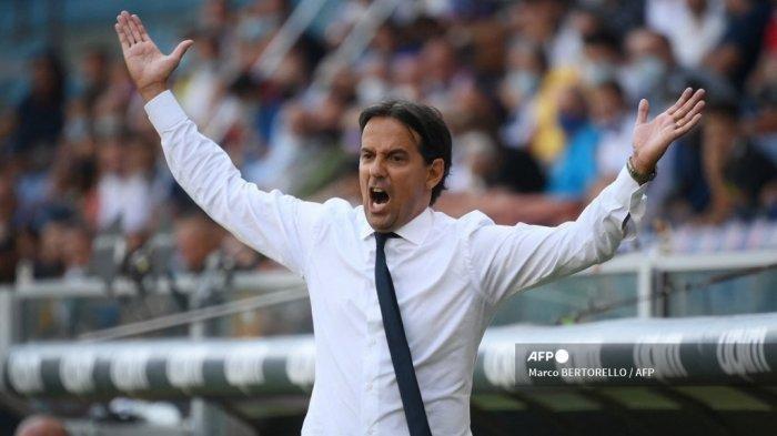 Pelatih Inter Milan Italia Simone Inzaghi bereaksi selama pertandingan sepak bola Serie A Italia antara Sampdoria dan Inter Milan di Stadion Luigi Ferraris di Genoa pada 12 September 2021.