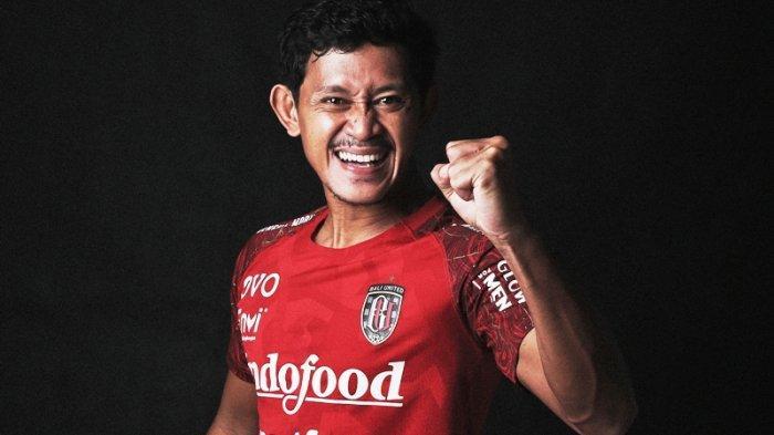 Gelandang Bali United Pellu Suka Ayam Betutu, Sulit Cari Makanan Khas Maluku di Bali