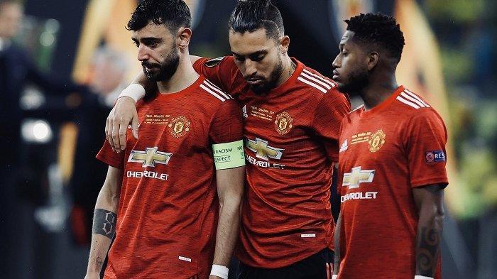 Tangis Bruno Fernandes Pecah di Energa Seusai Manchester United Gagal Juara di Final Liga Eropa 2021