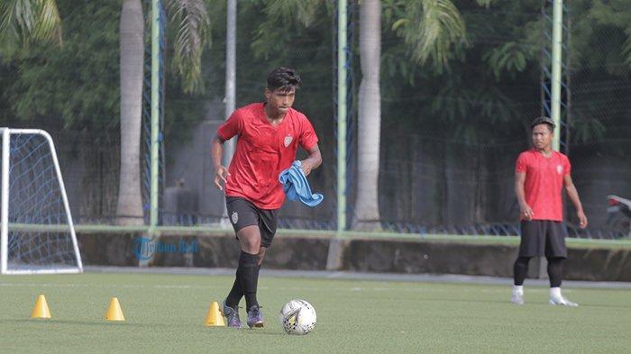 Kaesang Pangarep Sukses Rekrut Torres ke Persis Solo dan Pinjam Striker Timnas U-19 dari Bali United - pemain-muda-bali-united-irfan-jauhari.jpg