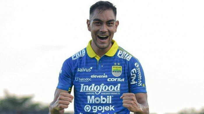 Kabar Liga 1 dan Piala Menpora 2021: Omid Nazari Mundur dari Persib Bandung, Begini Kata Robert