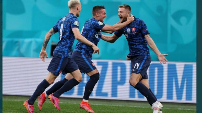 HASIL EURO 2020: Blunder Wojciech Szczesny Bawa Slovakia Raih Kemenangan pada Laga Pembuka Grup E