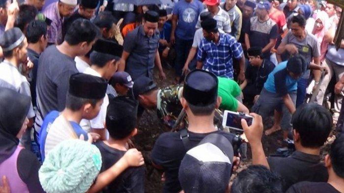 Astaga, Anggota DPR Berkelahi di Kuburan saat Pemakaman Mantan Wakil Wali Kota Makassar
