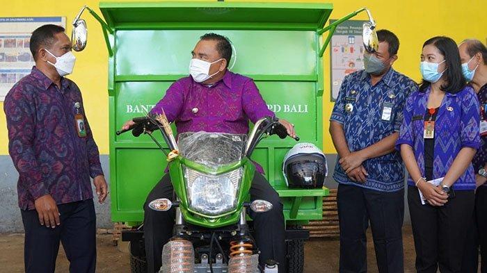 Olah Sampah 1 Ton per Hari, TPST3R Dauhwaru Jembrana Dapat Bantuan Satu Kendaraan Pengangkut