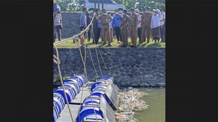 Supaya Tetap Bersih, Sungai Taman Pancing Denpasar Kini Dipasangi Jaring Penyekat Sampah