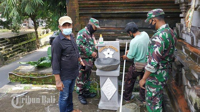 Kodim Gianyar Pasang Wastafel di Pura Pasek Salahin dan Pura Desa Suwat Gianyar Bali