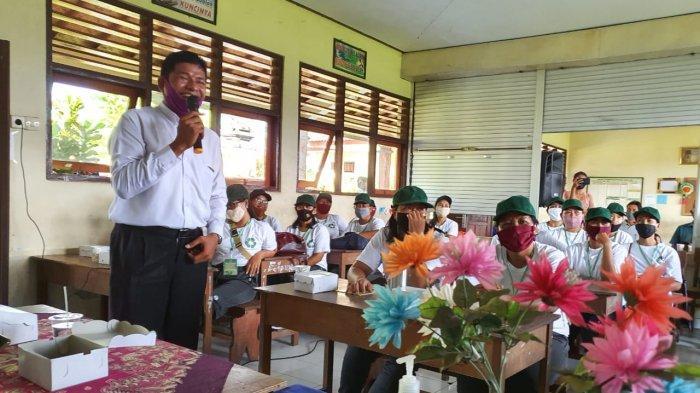 Desa Keramas Gianyar Bentuk Kader Kebersihan