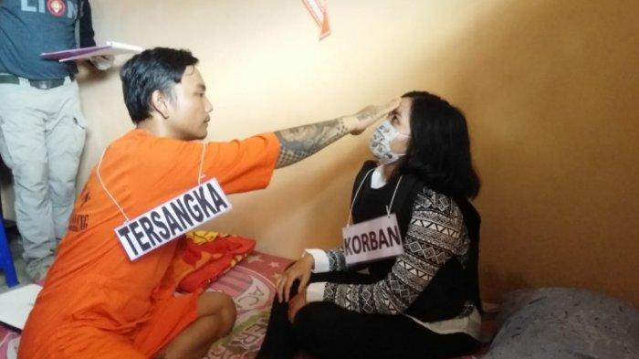 Sebelum Meninggalkan Jasad Kekasihnya, Kodok Sempat Mencium Kening Korban dan Lakukan Ini