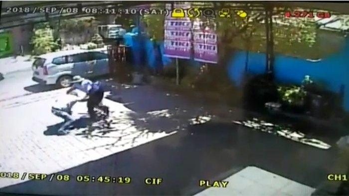 Hanya Gara-gara Nyaris Senggolan di Jalan, Remaja 14 Tahun Tikam Korban hingg Tak Berdaya
