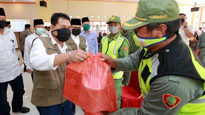 Cukup Lapor via Online, Paket Sembako Dikirim pada Warga Banyuwangi