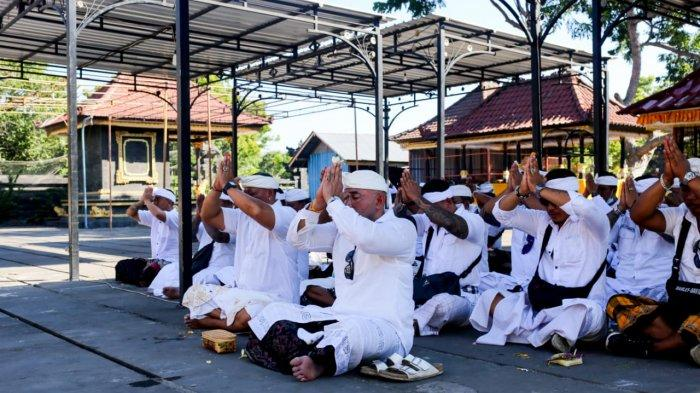 Doakan Pandemi Berakhir dan Pariwisata Pulih, Pemuda Bali Bersatu (PBB) Bali Lakukan Upaya Niskala