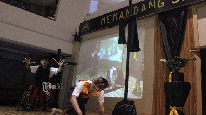 Jumat Agung, Pemuda Gereja Tampilkan Teatrikal Sang Putra Raja Melawan Rangda