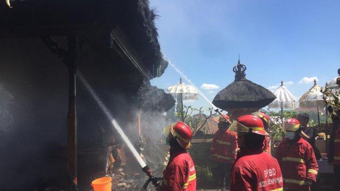 BREAKING NEWS - Bale Piasan Sanggah Milik Dosen di Denpasar Bali Terbakar Saat Hari Raya Kuningan