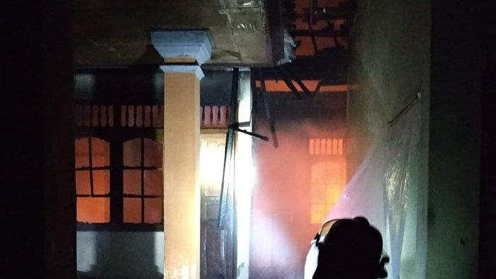Kebakaran Rumah di Denpasar Pagi Ini Tak Timbulkan Korban Jiwa & Luka,Kerugian Ditaksir Rp 750 Juta