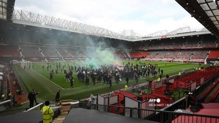 Fans Minoritas Serbu Lapangan Old Trafford, Laga Man United vs Liverpool Dibatalkan, Ini Kata Keane