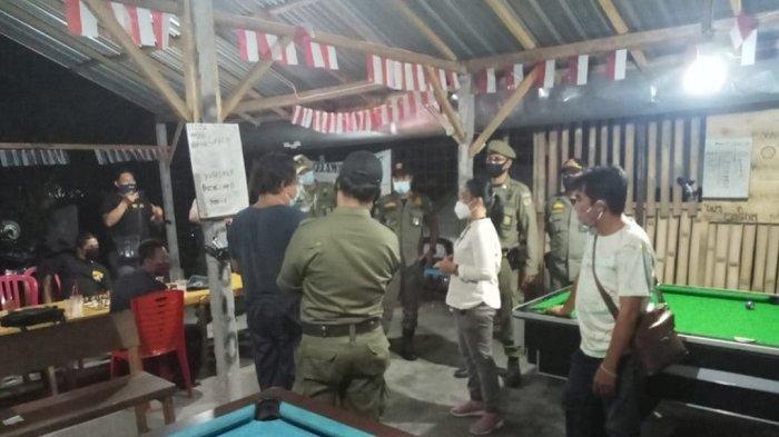 Buat Kerumunan di TengahPandemi,Satpol PP Denpasar Tertibkan Usaha Billiarddi Padangsambian