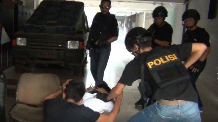 Polisi Tangkap Kadek Edi dengan Persiapan Lengkap, Waspadai Akun Instagram Anda Diretas