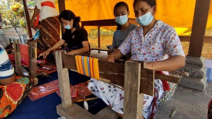 Pandemi Covid-19, Pengrajin Tenun Cagcag di Banjar Waliang Karangasem Tak Beroperasi Sementara