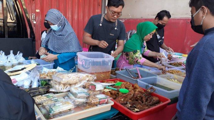 Kolak Jadi Takjil Paling Laris di Jalan Danau Batur Raya Badung, Yani: Paling Laku Itu Kolak