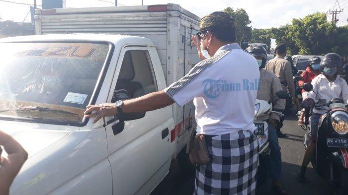 Penjagaan Pelarangan Mudik di Uma Anyar Denpasar Dibantu Pecalang, Bendesa: Kami Ngayah