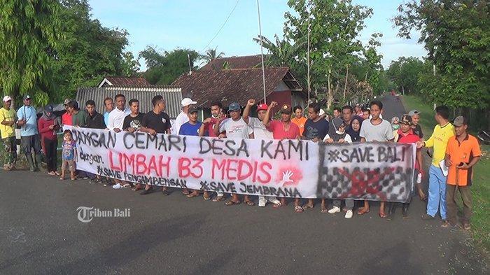 Spanduk Penolakan Pabrik Limbah B3 Medis di Desa Pengambengan Diturunkan, Ini Alasannya