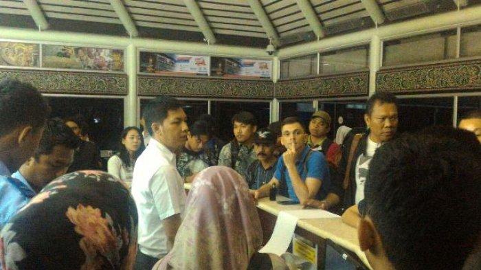 Penumpang Lion Demo karena Batal Berangkat ke Bali