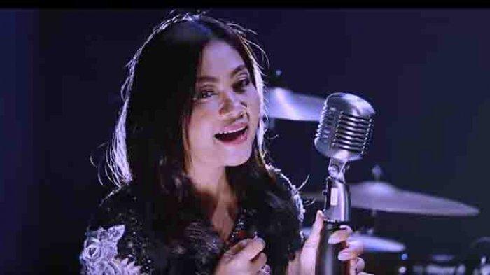 Perjalanan dan Karir Penyanyi Pop Bali Ayu Saraswati, Torehkan Segudang Prestasi Ini