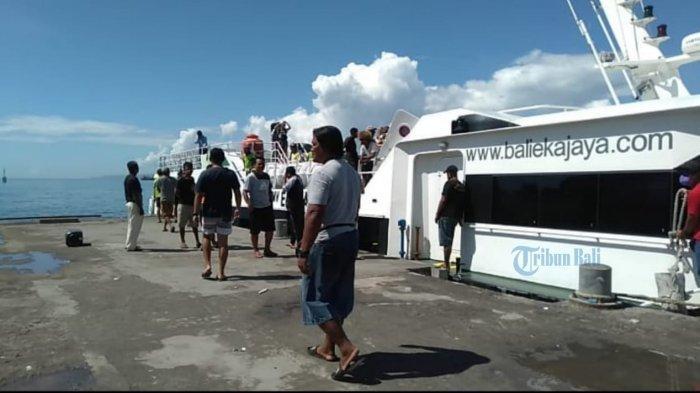 Penumpang Sepi, Pengusaha Angkutan Penyeberangan di Pelabuhan Padang Bai Berencana Jual Fastboat