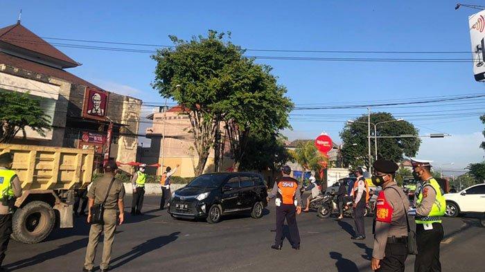 Penyekatan PPKM Darurat di Denpasar, 63 Pengendara Diputar Balik, 32 Orang Melanggar Prokes