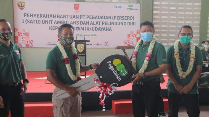 PT Pegadaian Serahkan Bantuan Ambulans & APD ke Kodam IX/Udayana, Pangdam Ajak Prajurit Nabung Emas