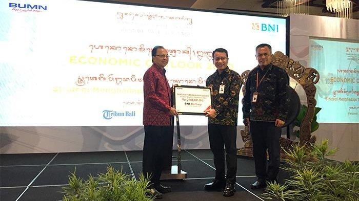 Dukung Pembangunan Kantor Majelis Desa Adat di Bali, BNI Serahkan Bantuan Dana 2,5 Miliar