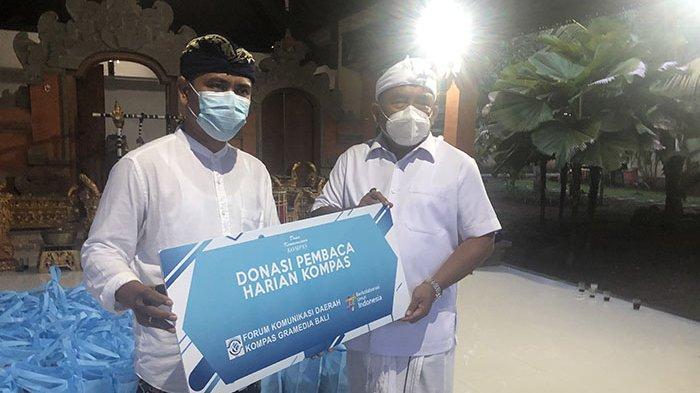 Harian Kompas Berikan Donasi dari Pembaca kepada Sekaa Jegog Jembrana