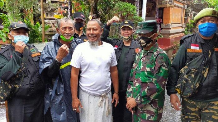Belasan Veteran Asal Tampaksiring Gianyar Dapat Bantuan Sembako Dari TNI dan Pemuda