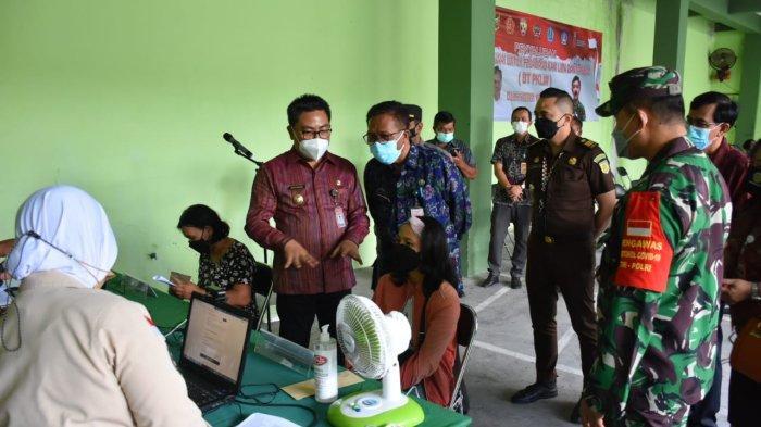 300 PKL dan Warung di Denpasar Timur Dapat Bantuan Tunai Khusus