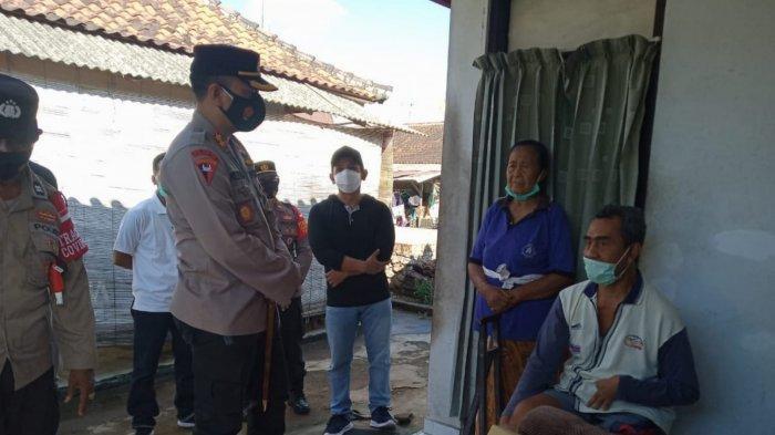 PPKM Darurat, Kapolres Jembrana Bagi Sembako ke Warga Terdampak