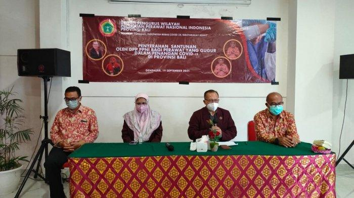 Penyerahan Santunan Kematian oleh DPP PPNI Bagi Perawat yang Gugur Dalam Penanganan Covid-19 di Bali