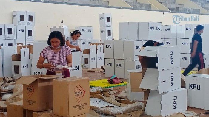 1.140 Kotak Suara Dirakit Belasan Warga Tabanan, Perakitan 1 Kotak Suara Butuh Waktu Sekitar 3 Menit