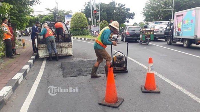 Tabanan Peroleh Anggaran Rp 80 Milyar Untuk Perbaiki Jalan Sepanjang 38 Kilometer